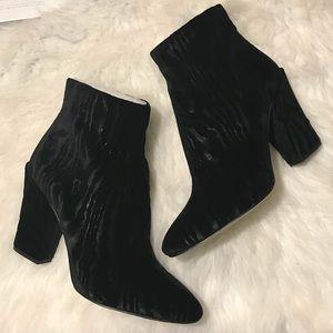"""🆕NIB Louise et Cie """"bonsai velvet"""" Verdana boots"""